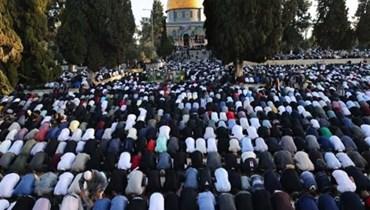 فلسطينيون يؤدون صلاة العيد في الاقصى