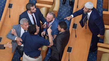 احدى المشادات داخل البرلمان التونسي