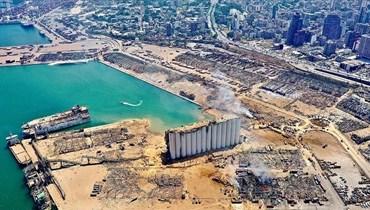 جزء من بيروت مع مرفئها المدمر