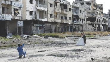 عروسان وسط الدمار في سوريا
