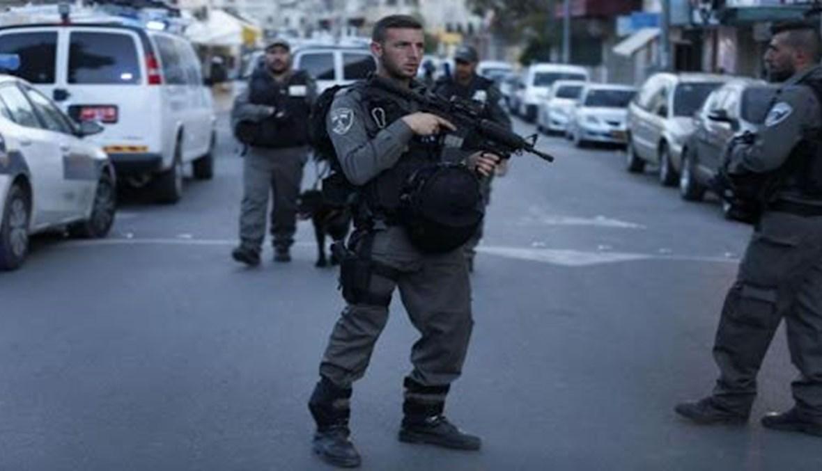 عناصر من الشرطة الإسرائيلية في مكان الحادث