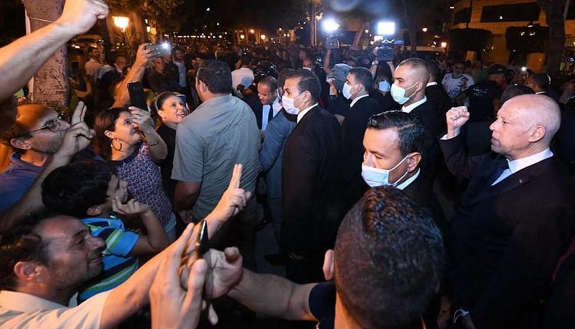الرئيس التونسي في شارع الحبيب بورقيبة بوسط تونس. أ ف ب
