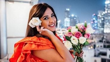 ياسمين عبدالعزيز تعود إلى القاهرة بعد تعافيها من أزمتها الصحية