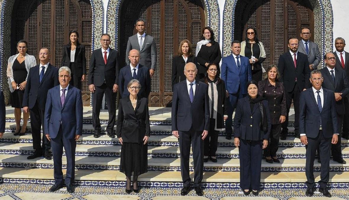 سعيّد وأعضاء الحكومة التونسية الجديدة
