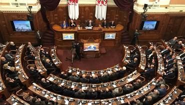 الجزائر... تعديل الدستور ببرلمان غير شرعي!