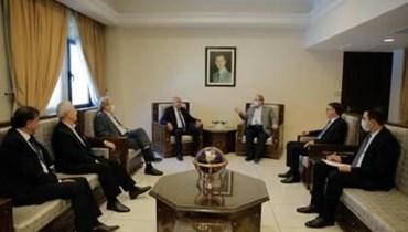 """ماذا فعل وفد حركة """"فتح"""" في دمشق؟"""