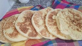 مطلوع مغنية...خبز يفتح أرزاق الجزائريين بعد غلق الحدود مع المغرب