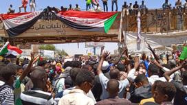 الأزمة بين الشركاء العسكريين والمدنيين تهدد استقرار الفترة الانتقالية