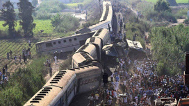 حادث قطار طوخ يُطيح برئيس هيئة السكك الحديدية في مصر... إليكم التفاصيل